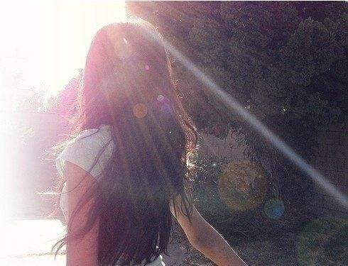 失恋的话语伤感 朋友圈女生深夜发的说说心情
