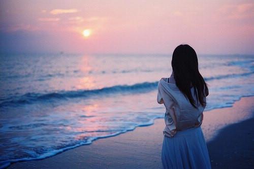爱到心累的伤感句子 朋友圈说说心碎了