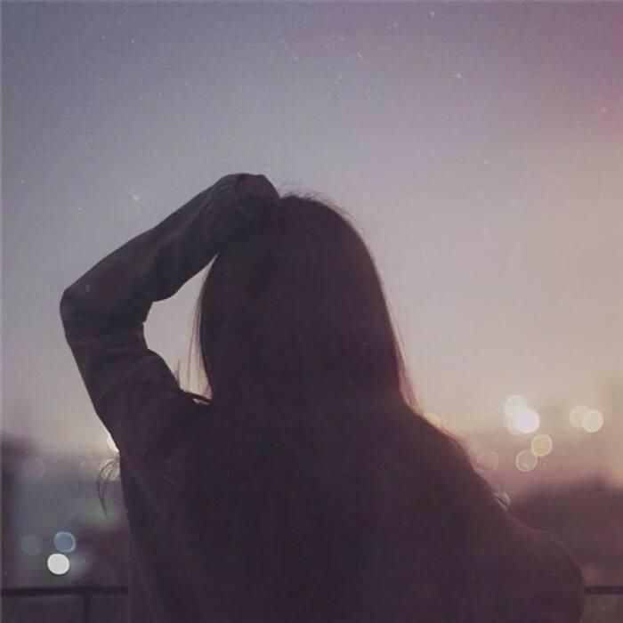 心疼自己一秒钟的说说 扎心了受伤了的伤感句子