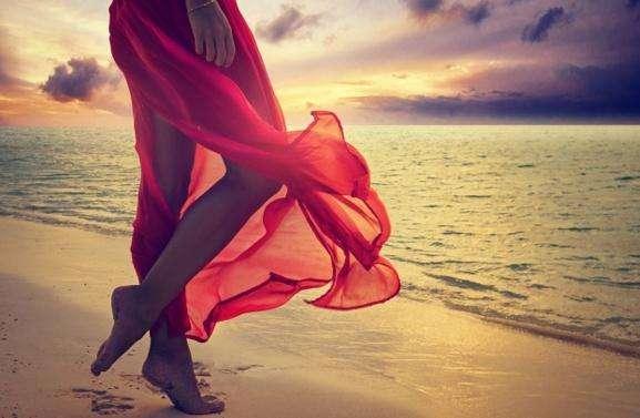 暗恋的句子不要太明显的 男生心里默默爱一个人的qq说说
