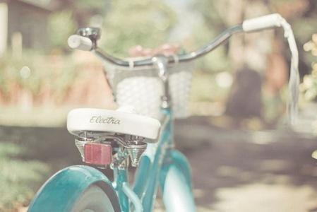 自行车上的微笑